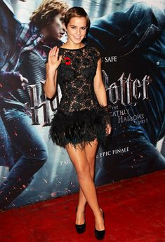 Emma Watson's hot dress at 'Harry Potter And The Deathly Hallows' world premiere in London