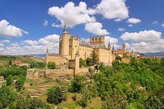 Alcázar de Segovia, Segovia, Castilla y León, España,  Spain.   Los 15 castillos más bonitos de España | Skyscanner