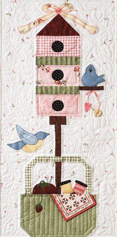 Very inspirational/ Aplique style wall hanging - bird house and birds design Sewing Baskets, Bird Birdhouse Blocks, Aplique Quilts, Applique House, Birdhouse Quilt Blocks, Bird House Quilts, House Art, Fabric Birds, Picnic Baskets