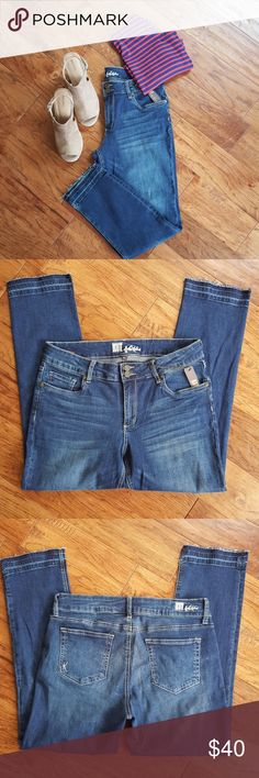 Kut from the Kloth Jeans NWT, Ankle jeans, release hem, Approx. Measurements: inseam 27', waist 34' Kut from the Kloth Jeans Ankle & Cropped