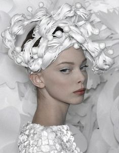 chanel tanya dziahileva Fashion Art, Runway Fashion, Fashion Ideas, Tanya Dziahileva, Yellow Theme, Lavandula, White Magic, Hair Creations, Dramatic Look