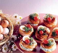 Gogoşele fantezie | Retete culinare - Romanesti si din Bucataria internationala Romanian Food, Appetisers, Culinary Arts, Mini Cupcakes, Sushi, Recipies, Food And Drink, Cocktails, Pizza