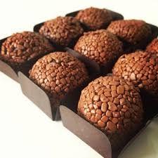 Resultado de imagem para chocolandia cursode brigadeiros gurme