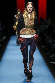 Dsquared2 Fall 2016 Ready-to-Wear Fashion Show - Susanne Knipper ~ETS #streetstyle