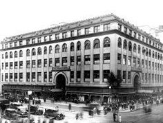 "Palais Royal Department Store was purchased by Woodward and Lothrop around 1940 and renamed ""Woodward and Lothrop North Building""."