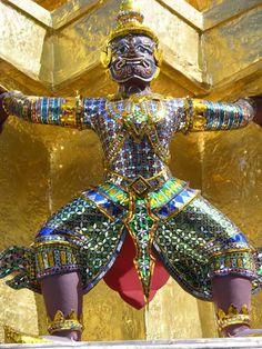 Giant demon gardian thailand