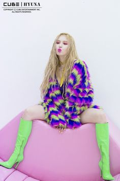 Hyuna lips and hips photoshoot