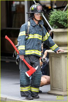 Matt Bomer: Fire Fighter on 'White Collar' Set!: Photo Matt Bomer dons a firefighter uniform while taking a break from filming scenes for his hit show White Collar on Tuesday (July in New York City. White Collar Quotes, Matt Bomer Simon Halls, Motorcycle Jacket, Bomber Jacket, Neal Caffrey, Show White, Sexy Men, Eye Candy, Actors