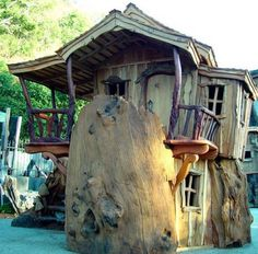 Now we say THIS is a treehouse! Does anyone disagree? Does anyone know where this is? You'll find lots of great treehouses on our site at http://theownerbuildernetwork.com.au/quiet-spaces/tree-houses/