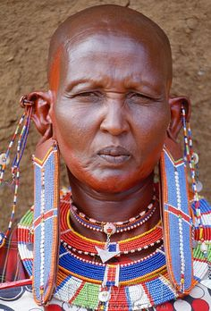 Africa. Kenya. Portrait of Maasai tribeswoman // © Art Wolfe