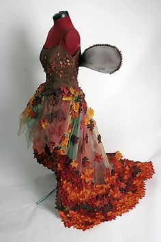 Autumn Pixie Fall-en Fairy Dress Made to Order image 3 Fairy Dress, I Dress, Costume Carnaval, Style Steampunk, Hallowen Ideas, Gown Pictures, Autumn Fairy, Fairy Clothes, Larp
