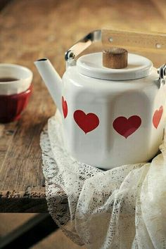 Heart tea kettle