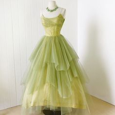 rare CEIL CHAPMAN golden lime tulle layers full skirt boned bodice cocktail party prom dress ceil chapman party dress with all the expected design elements only in a rare ethereal tulle Vintage 1950s Dresses, Vintage Outfits, 60s Dresses, Vintage Clothing, 1950s Fashion, Vintage Fashion, Club Fashion, Gothic Fashion, Tiana Dress