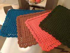 Cross crochet placemats