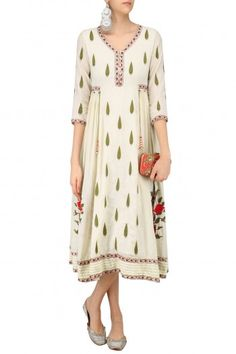 Abhishek Vermaa Ivory Embroidered Samode Tunic #happyshopping #shopnow #ppus