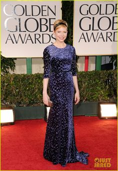 Michelle Williams, 2012 Golden Globes. Headband not my style but LOOOOOOOVE the Jason Wu gown! Such slouchy elegance!!!