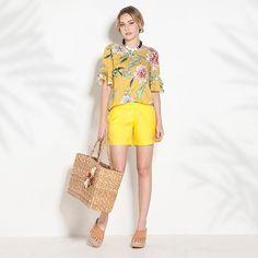Alegre-se e planeje algo diferente para hoje: um almoço ao ar livre, um piquenique com a família. Nada melhor do que aproveitar o tempo livre com o que nos faz bem. 😌✨🌻 #avanzzo #modabrasilia #moda #fashion #yellow #pattern #flower #floral #flowerpower #amarelo #alegre #dica #dicafashion #instafashion #instamoda #style #instastyle #look #produção #modamulher #brasilia #fresh #verão #getthelook #estampa #summer #weekends #lunch #friends #novacoleção