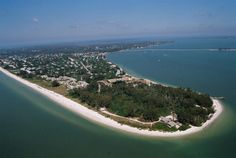 Sanibel & Captiva Real Estate Ready for Labor Day Buyers Sanibel Island, Resorts, Sanibel Lighthouse, Florida Holiday, Family Beach Pictures, Romantic Destinations, Florida Beaches, Captiva Florida, Little Island