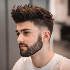 Awesome Best Ever Short Haircuts for Men in Year 2019 See here and get inspired by our most beautiful short mens hairstyles and haircuts in year We have collected here some of the top hairstyles tha. Mens Summer Hairstyles, Popular Mens Hairstyles, Fade Hairstyles For Men, Men Hairstyle Short, 2017 Hairstyle, Perfect Hairstyle, Trendy Hairstyles, Short Hair Cuts, Short Hair Styles