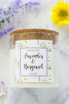 Homemade Lavender and Bergamot Candle is an easy to make soy candle scented with relaxing and uplifting fragrant oils that smells like summer. Best Picture For DIY Candles scented For Your Taste You a Homemade Soy Candles, Diy Candles Scented, Aromatherapy Candles, Diy Candles Recipe, Valentinstag Party, Candle Labels, Candle Jars, Mason Jars, Diy Marble