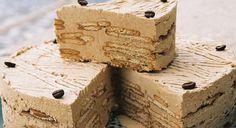 Bolo de bolacha com creme de café Receita:http://www.lidl.pt/cps/rde/SID-B7423867-CCBAC9FA/www_lidl_pt/hs.xsl/3376.htm?ar=92