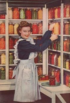 Housewife stocking the pantry with her Home Canning goods Aprons Vintage, Vintage Ads, Vintage Images, Vintage Food, Retro Food, Retro Images, Vintage Housewife, 1950s Housewife, Home Canning