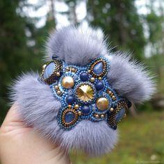 """Купить Браслет """"Карелия"""" - голубой, серый, браслет, вышитый браслет, широкий браслет, браслет с мехом"""