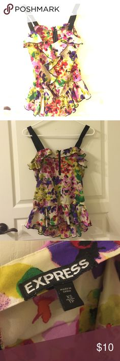 Express XS floral top Cute top from express. Worn a handful of times! Cute elastic towards the bottom! Express Tops Tank Tops