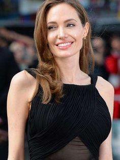 Revela Angelina Jolie que se extirpó los ovarios por riesgo de cáncer - https://notiespectaculos.info/revela-angelina-jolie-que-se-extirpo-los-ovarios-por-riesgo-de-cancer/