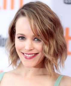 Rachel McAdams | We've rounded up our all time favorite long bob haircut looks. These long lob looks will frame any face shape beautifully and are must-tries for this season.