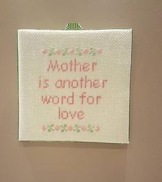 Annelere sevgilerimizle...