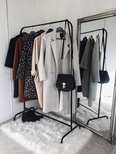 Awesome home decor tips are offered on our site. Have a look and you wont be sorry you did. Cute Dorm Rooms, Cool Rooms, Wardrobe Closet, Capsule Wardrobe, Closet Space, Aesthetic Rooms, Minimalist Bedroom, My New Room, Home Look