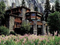 The Ahwahnee, Yosemite National Park, California || Listed as one of the Most Stunning Mountain Resorts Around the Globe by tripstodiscover.com