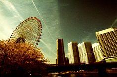 その他一眼レフ - 街の素顔 -  街角  横浜  空  クロスプロセス  Fuji_PROVIA400X  トイラボ  - Camera Talk -