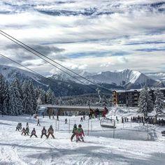 CHAMROUSSE - Ski enfant : @esfchamrousse Pour bien finir la semaine !!!!     #jardindenfants #pioupiou #skiinstructor #moniteurdeski #skiinstructorlife #neigefraiche #soleil #chamrousse #esfchamrousse #esf #skieurs #taillefer #bachatbouloud #chamroussemontainpark