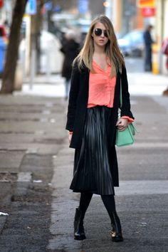 "Style of Lucie Redlich: ""Inspiruj svým stylem! Midi Skirt, Chic, Winter, Skirts, Style, Fashion, Winter Time, Elegant, Moda"