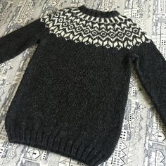A cute little lopi-sweater for toddlers and kids. A traditional Icelandic yoke… Sweater Knitting Patterns, Knitting Stitches, Knit Patterns, Knitting For Kids, Baby Knitting, Magic Circle Crochet, Nordic Sweater, Icelandic Sweaters, Fair Isle Knitting