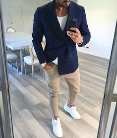 Outfit: Navy Double Breasted Blazer, White Crew-neck T-shirt, Beige Skinny Jeans, White Leather Low Top Sneakers Source by Mode Masculine, Stylish Men, Men Casual, Casual Chic, Mode Man, Moda Blog, Casual Outfits, Fashion Outfits, Fashion Men