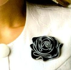 Zipper flower brooch.  I'd love to try this one day.