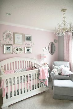 @Bevvvvverly LeFevre @K D Eustaquio Benson @Carly Meagher What do you think? Sweet baby girl room decorated in pink and grey