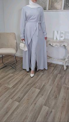 Modest Casual Outfits, Modest Fashion Hijab, Abaya Fashion, Muslim Fashion, Fashion Outfits, Mode Kimono, Pakistani Dresses Casual, Hijab Fashion Inspiration, Mode Hijab