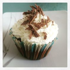 Coconut-chocolate cupcakes