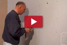 VIDEO: Rammer man forbi stålreglen, skal skruen ud igen. Det er svært, da gevindet ikke har noget at bide sig fast i.