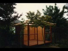 Japanese Tea house how to build one. Check out the gardens jukebox and fridge. Japanese Tea House, Japanese Gardens, Asian Tea, Meditation Space, Building A Shed, Garden Styles, Jukebox, Backyard, Outdoor Structures