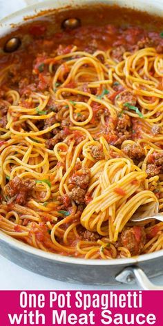 One pot spaghetti with meat sauce - the meat sauce is loaded with ground beef an. - One pot spaghetti with meat sauce – the meat sauce is loaded with ground beef and made from scrat - Spaghetti With Ground Beef, Ground Beef Pasta, One Pot Spaghetti, One Pot Pasta, Spaghetti Kitchen, Cooking Spaghetti, Spaghetti Beef Recipe, Spaghetti Meat Sauce, Simple Spaghetti Recipe