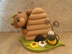Bear-Bee-Hive.Polymer Clay girl, masa flexible, cold porcelain, masa francesa, porcelana fria