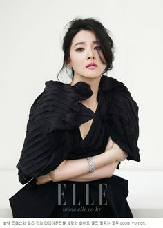 Actress Lee Young Ae and singer Lee Hyori are blinging in Elle Korea's anniversary issue. On next month's pages, Lee Young Ae unveils Louis Vuitton's new jewelry collection … Korean Celebrities, Celebs, Korean Photoshoot, Korean Traditional Dress, Lee Young, Asian Hair, Elle Magazine, Korean Beauty, Beautiful Actresses