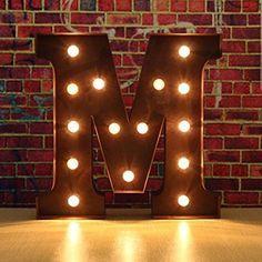 SOLMORE 30x5cm LED Wall Letter Light up Letter Wort Licht A-Z Metall Lampe Buchstaben Licht Marquee Alphabet Abziehbilder Dekoration für Geburtstag, Hochzeit, Party, Café, Weihnachten, Disco (Schoko M