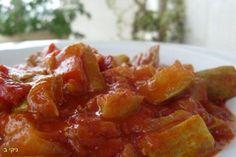 קישואים ברוטב אדום סמיך וטעים תוספת מושלמת למנת הבשר או סתם מנת ירקות טובה לארוחה, כמה דקות הכנה וכמה שזה טעים, איזה כיף שיש מגוון של תוספות