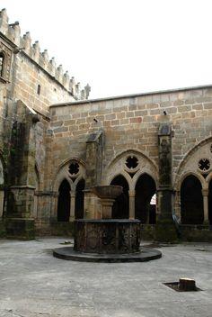 Plasencia | Casco antiguo. detalle Claustro Catedral  Cáceres Spain